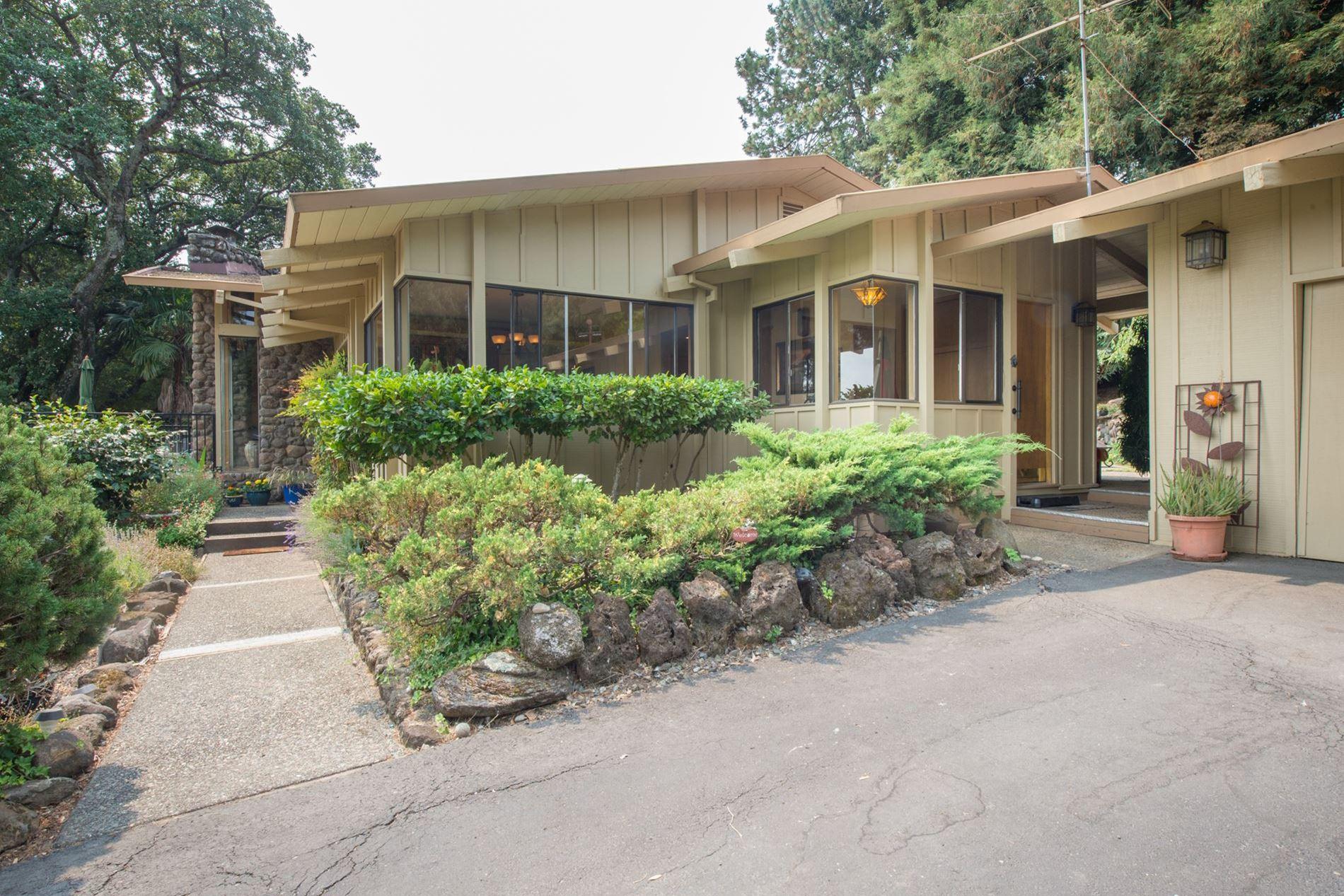 White Oak Court Sonoma Country Estate